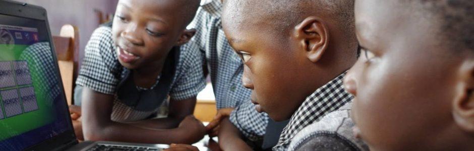 Sei Teil der Kreislaufwirtschaft und ermögliche den Zugang zur globalen Bildung für alle